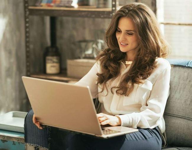 Приват веб моделью девушка модель работы мерседес