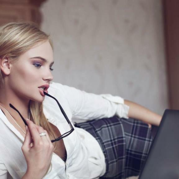 Лучшие сайты для работы веб моделью в интернете
