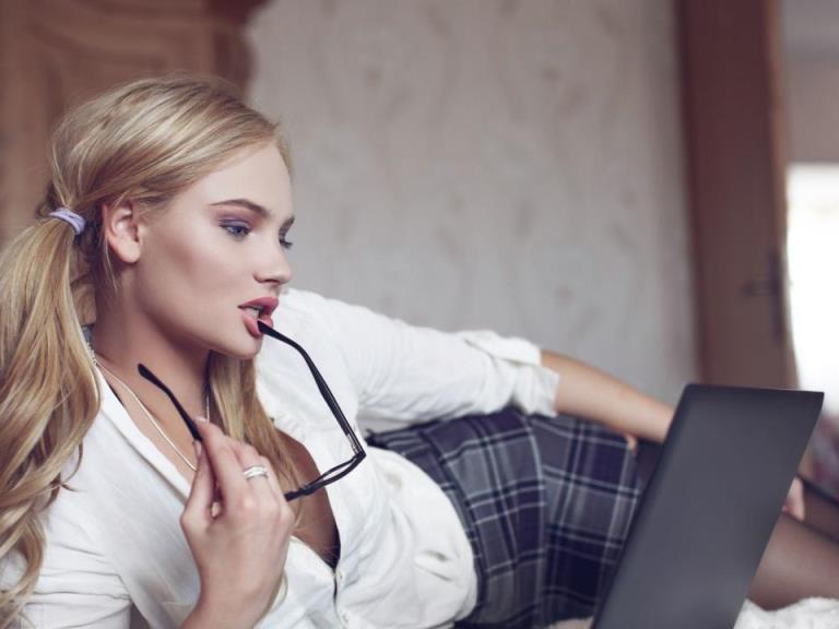 Лучшие веб модели работать девушка модель это работа